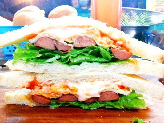 Sandwich Xúc Xích Trứng